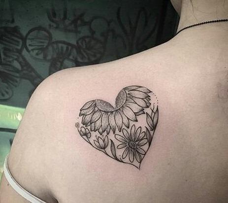 este_amoroso_coraço_flor_da_tatuagem