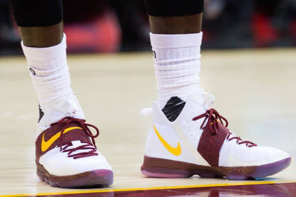 LeBron James Wears Shoe 50 as Cavs Grab Their 50th Win