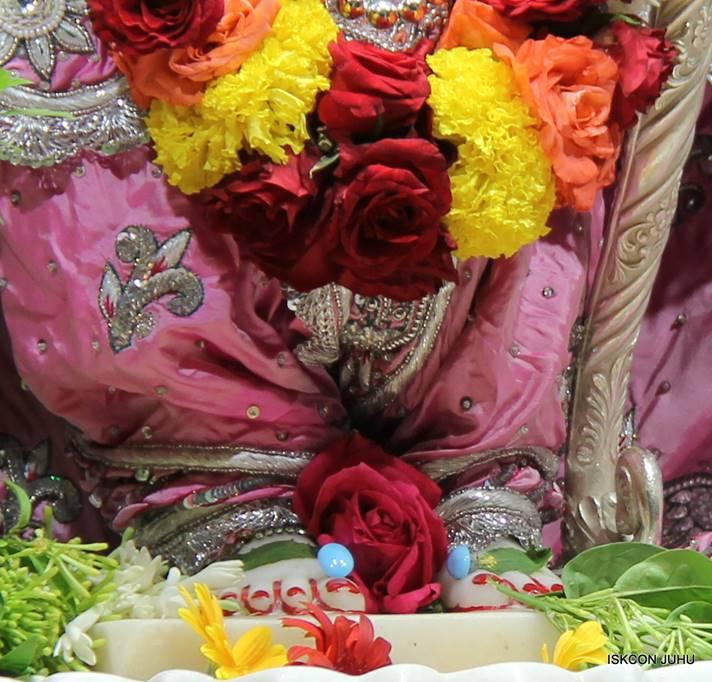 ISKCON Juhu Sringar Deity Darshan 05 Mar 2016 (27)