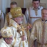 Syrsky arcibiskup v katedrale