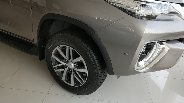 All New FORTUNER 2.4L 4x2V AT   Interior And Exterior