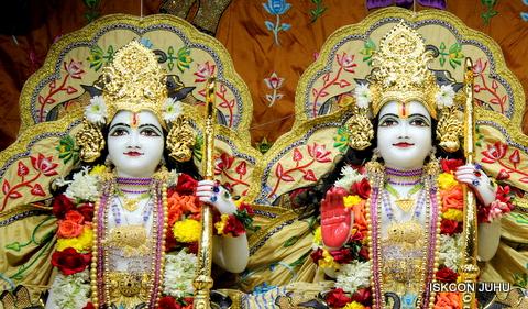 ISKCON Juhu Sringar Deity Darshan on 5th Sep 2016 (29)