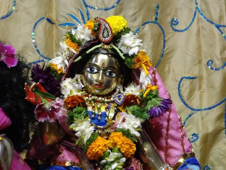 ISKCON Nigdi Deity Darshan 22 Jan 2016 (20)