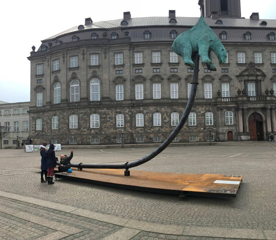 A sculpture named 'Unbearable' at front of Christiansborg Palace, seat of the Danish Parliament, in Copenhagen. Photo: Reuters