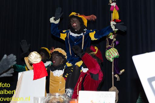 Intocht Sinterklaas overloon 16-11-2014 (64).jpg