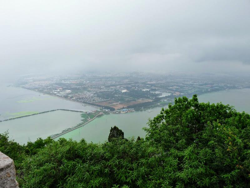 CHINE.YUNNAN.KUNMING , temple Lac Dian Chi - P1270760.JPG