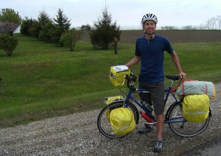 John, kanadischer Radler aus Windsor auf dem Weg nach Louisianna und Kalifornien, auf dem Talbot Trail, Ontario, Kanada