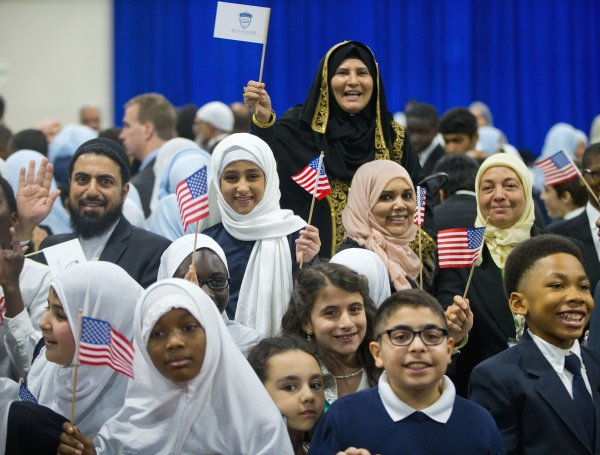 Jangan Lelah Membaca! Radikalisme dan Islamphobia, Proyek Siapa?