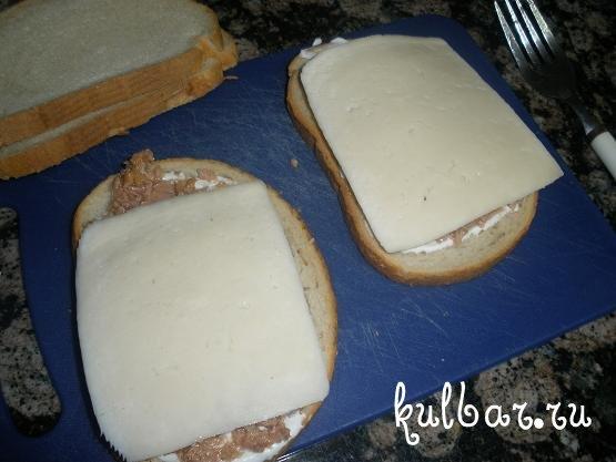 Мой любимый бутерброд - тост с тунцом и сыром