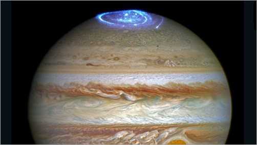 160630231332-hubble-jupiter-juno-auroras-super-169