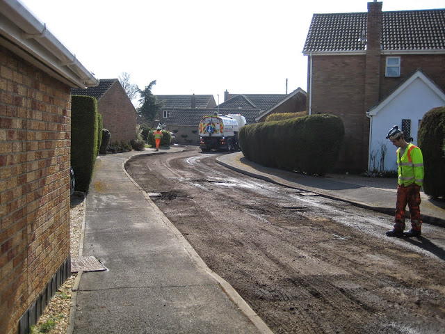 St Johns Close Resurfacing 23-03-2015. Pictures by Chris Cannon - IMG_1072.JPG