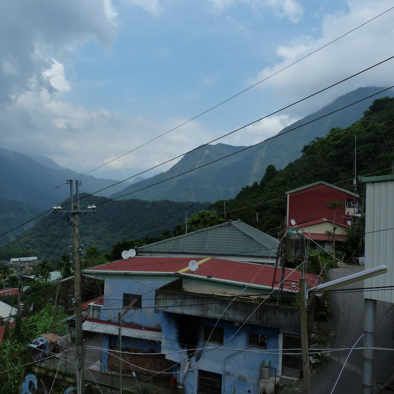 Puli  en passant , entre autres, par les villages de l ethnie Bunum de Loloko et Dili. J 10 - P1170128.JPG