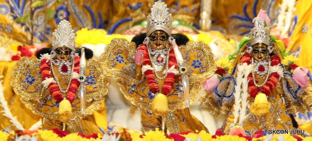 ISKCON Juhu Sringar Deity Darshan on 7th Sep 2016 (95)
