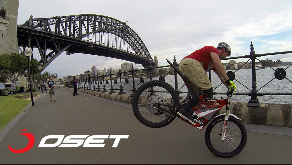OSET_jack_field_sydney_loc_04_promenade_stunts_01a.jpg