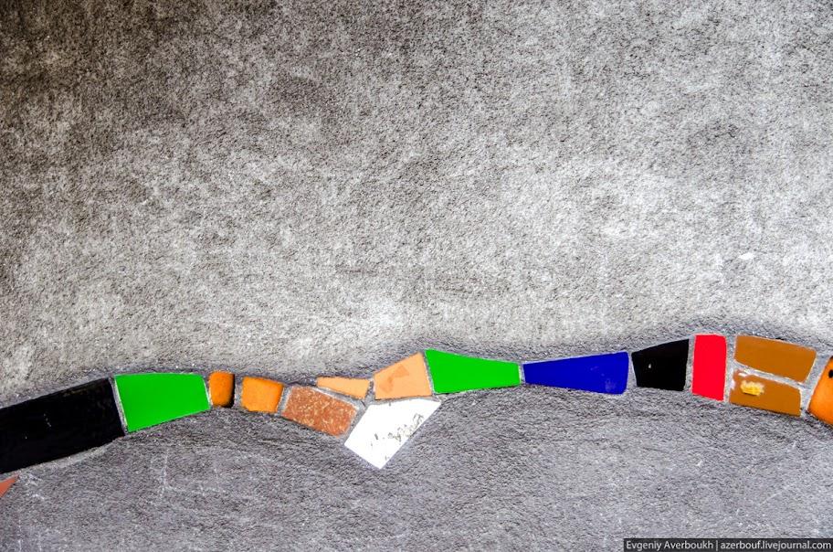 https://lh3.googleusercontent.com/-EYAkzzKQBoQ/USXkP8x2svI/AAAAAAAANsE/ygMXxWp50kI/s912/Austria-Architecture-Hundertwasserhaus-2-016.JPG
