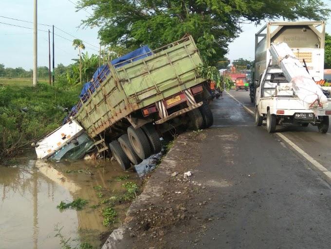 Kecelakaan Dijalan Pantura Juana Pati