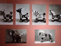 20 Fotókon a korabeli játékok.jpg