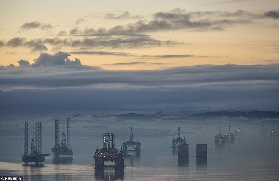 cromarty-firth-oil-rigs-7