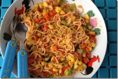 fried noodle with veggie