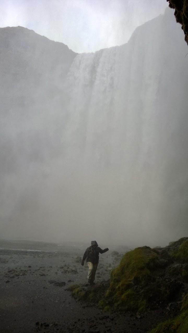 Skógafoss, 60m waterfall did not scare Tuija. J-M Kekki