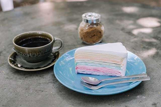 كيفية صنع كعكة باستخدام المقلاة