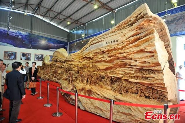 Ukiran Kayu Terpanjang di Dunia Karya Seniman Cina
