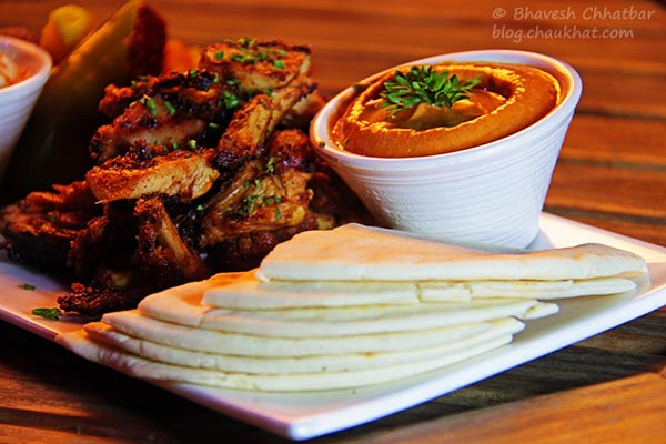 Pitta and Hummus Platter, The Flying Saucer Sky Bar, Viman Nagar, Pune