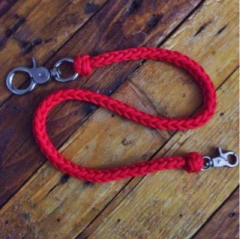 Everything paracord uk paracord lanyard for How to make a paracord wallet chain