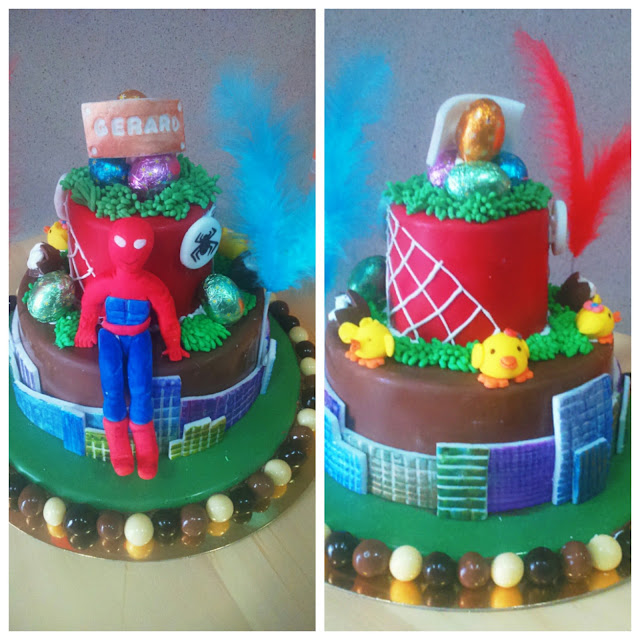 mona spiderman, tarta piñata, tarta de chocolate piñata, spiderman cake