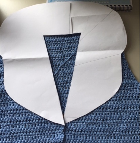 Haakze Luchtblauw Vest Met Kraag Van Bloemmotieven 4