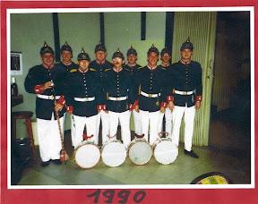 1990 B.jpg