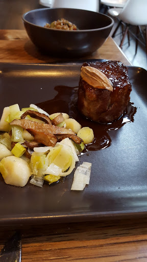 Eye of the ribeye, potato puree, mushrooms, buttered leeks, fois gras pate, sherry reduction. The Guild House, Columbus, Ohio