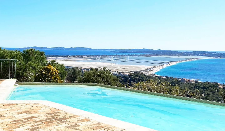 Seaside property with pool Hyeres