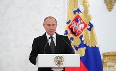 Vladimir-Putin-Heroes-8