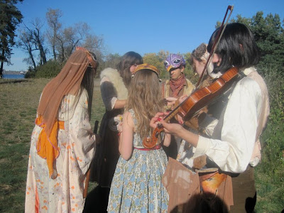 Camp 2010 - costumes_fiddler.jpg