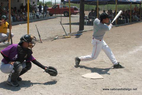 David Velázquez de Perrones en el softbol del Club Sertoma