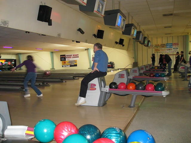 2011 Bowling Bonfire - bowling%2B2011%2B027.jpg
