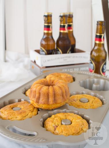 Mini Bundt Cakes de Jamón, Zanahoria y Cerveza