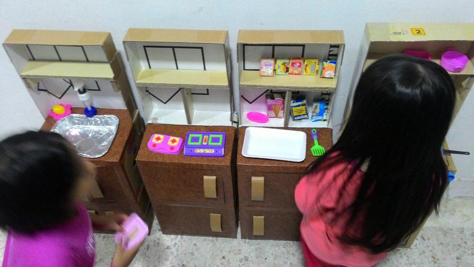 Bukan Setakat Dapur Sahaja Kek Pun Auntie An Buatkan Semuanya Dibuat Menggunn Kotak Tengok Dalam Inernet Katanya Untunglah Afrina Dan Aadriana Ada