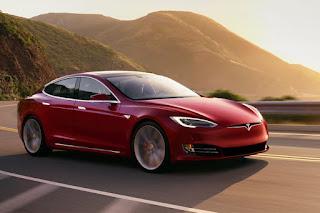 La nouvelle Tesla Model S bat les records de puissance et d'endurance