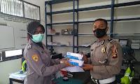 Bag Sumda Polres Sekadau Bagikan Masker Kepada Seluruh Personel