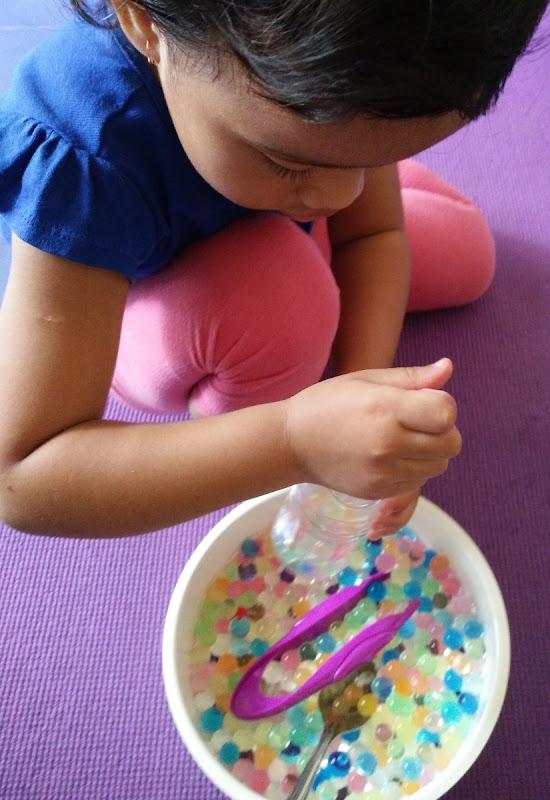 Sudah belajar dari kesalahan. Pegang water beadsnya sekarang sedikit.