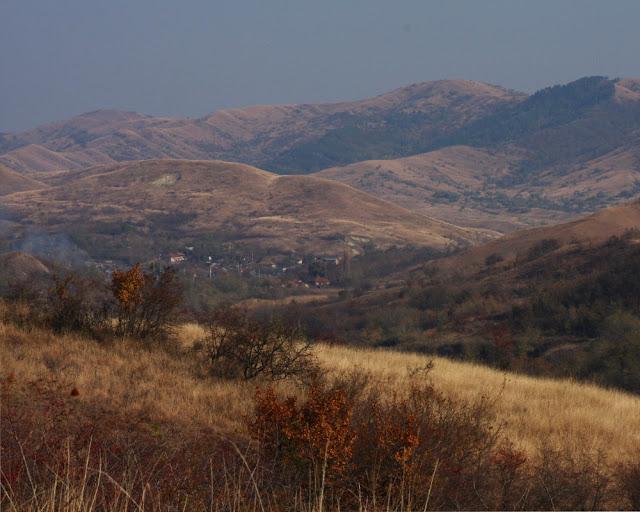 Vulcanii Noroiosi Berca Buzau fenomene geologice Romania drumetii