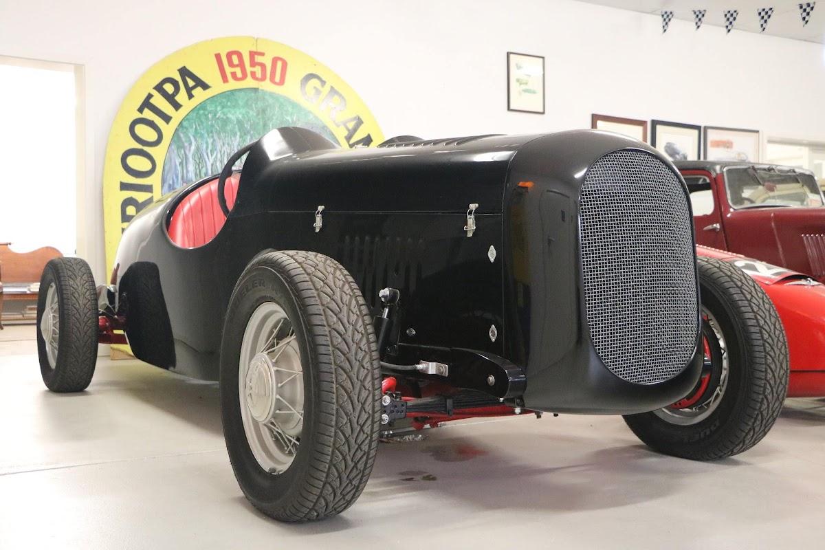 Carl_Lindner_Collection - 1936 Ford V8 Special - Black Bess 04.jpg