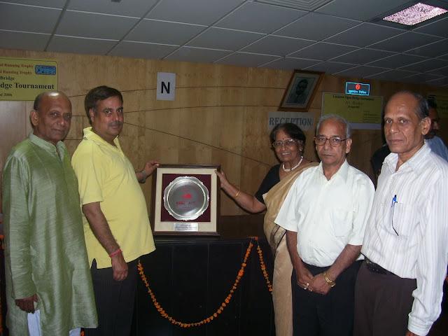 T/4 Winners - (L-R) BK Agrawal, AK Sinha, BN Rastogi, VK Agrawal with Mrs Srivastava