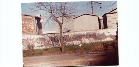 Photo: Scritte sui muri di Civita Castellana. Foto Luigi Cimarra. Anni '80 del secolo scorso.
