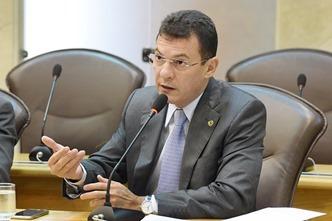 Deputado Dison Lisboa solicita ações para Lagoa Salgada