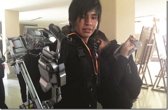 UPEA crea esqueleto biónico para personas con parálisis