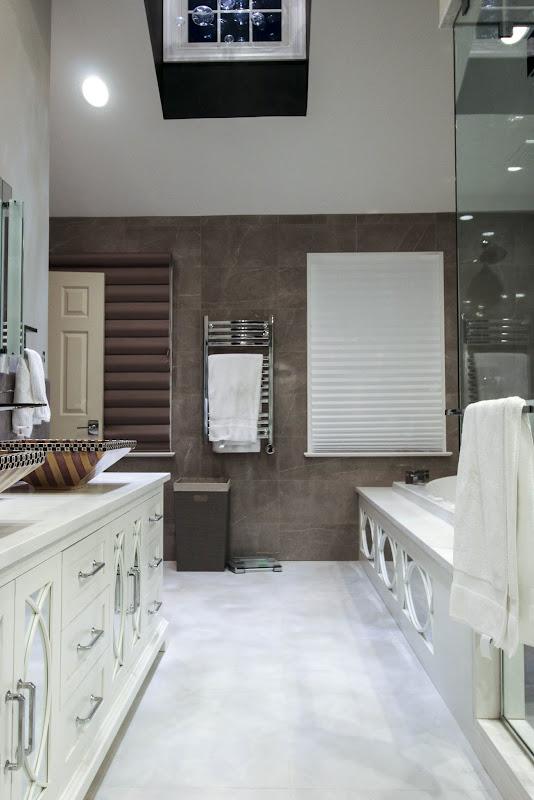 custom mirrored bathroom vanity