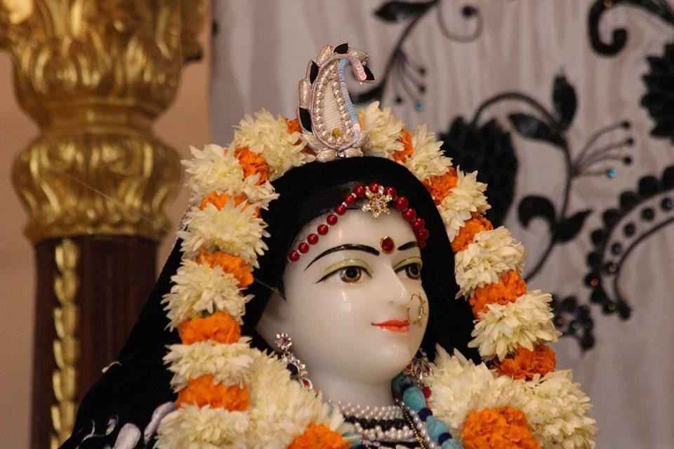 ISKCON Kanpur Deity Darshan 19 Dec 2015 (25)